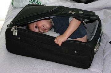 Luggage_030505_2